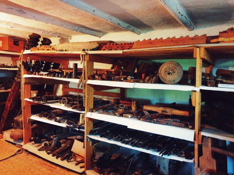Colecția de unelte
