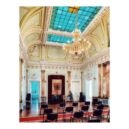 Salonul oglinzilor - Vedere spre pian