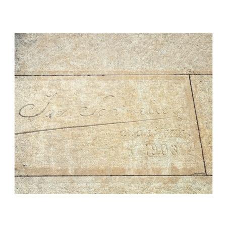 Semnătura arhitectului Josef Schieffelers pe cavoul familiei Marincu din Calafat