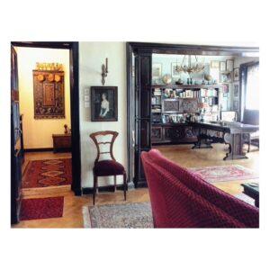 Holul de la intrare - apartamentul domnului Stelian Ivașcu