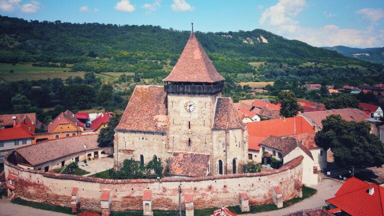 Biserica fortificată din Axente Sever