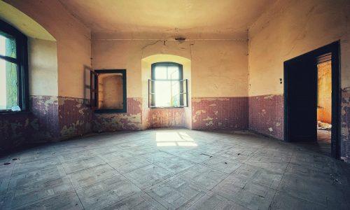 Interior conacul abandonat Brukenthal din Micăsasa